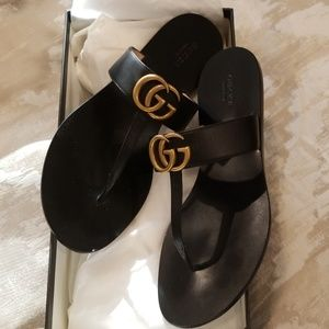 Gucci thong slipper sandals